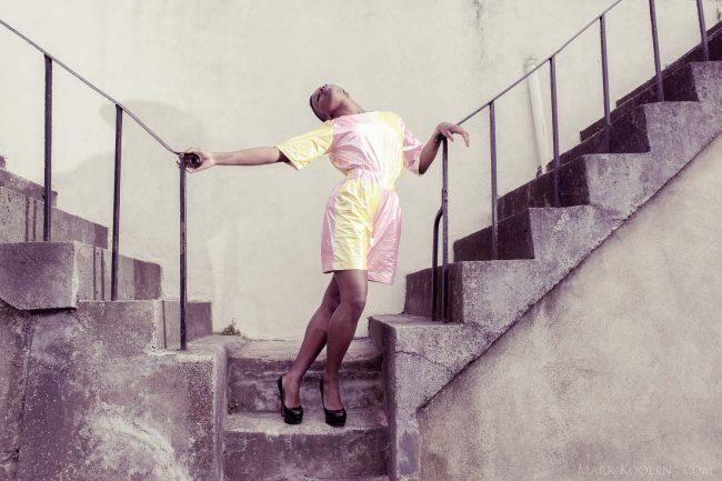 Fotoshoot met creaties van Bas Kosters in Londen met de zangers/artiest Ashleigh Ashley door fotograaf Mark Koolen Amsterdam
