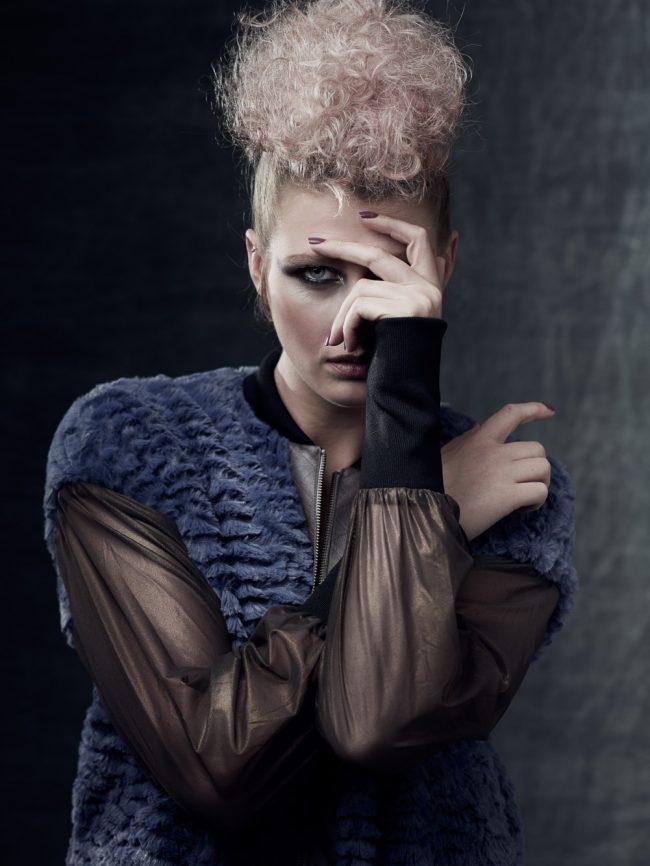 Modefotografie voor Bartinki slow fashion in de studio door fotograaf Mark Koolen in Amsterdam