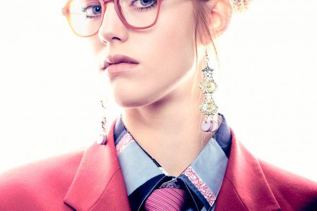 Sfeerfotos voor brillen merk Yf en Mart retro eyewear door fotograaf Mark Koolen in Amsterdam