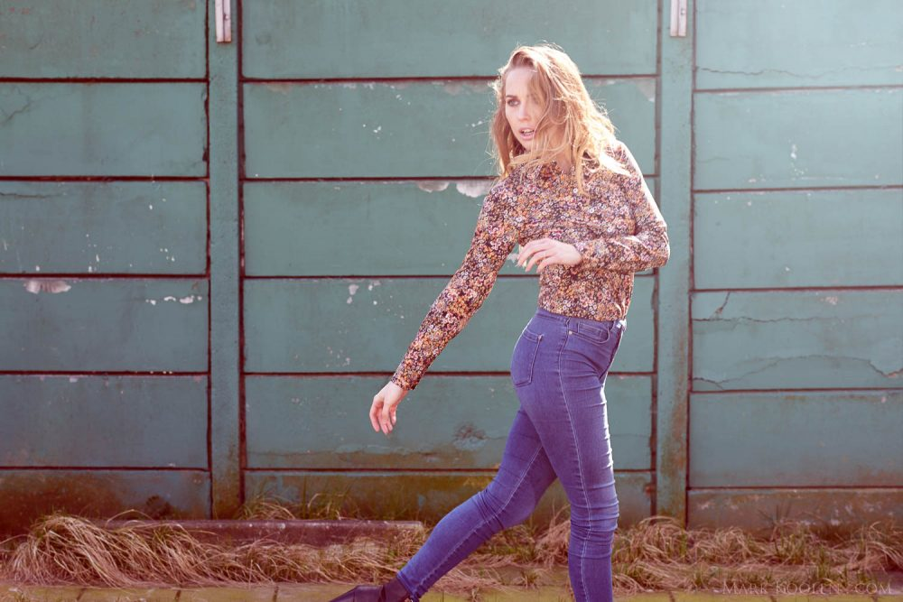 Sfeerfotos modefotografie op locatie voor Elements of Freedom door fotograaf Mark Koolen in Amsterdam